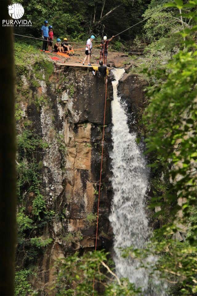 Rafting na Cachoeira - Chachoeira dos Quatis - Pura Vida Esportes e Aventura